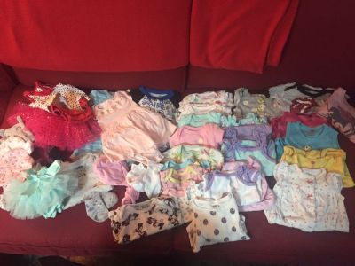 Lot baby girl 0-3 month clothing