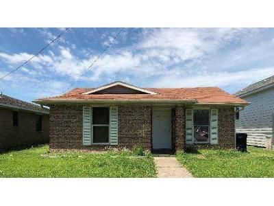 3 Bed 2 Bath Foreclosure Property in New Orleans, LA 70122 - Harcourt Dr
