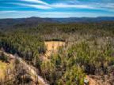 37 plus acres only 6 miles from downtown Highlands!