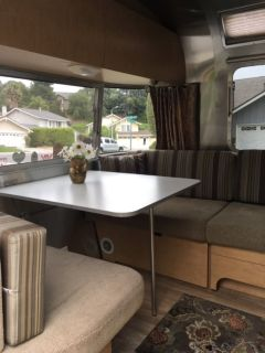 2010 Airstream Flying Cloud 25RB Queen