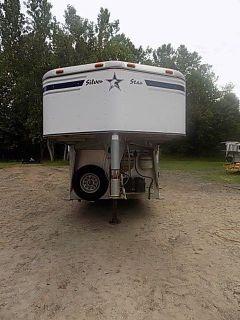 2003 Silver Star 3 Horse Weekender