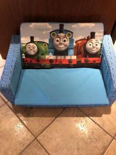 Thomas. Hold couch/ bed