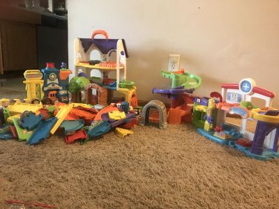 Huge VTech Go Go Smart Wheels/Friends - Vehicles, People, Roads/Train Tracks and Playsets Lot EUC