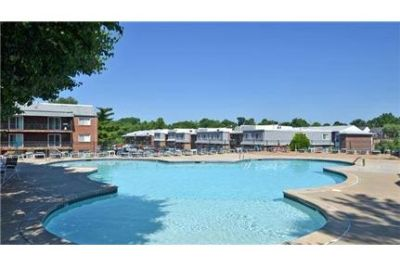 2 bedrooms Apartment - Marlborough Trails features lush landscaping in a quiet.