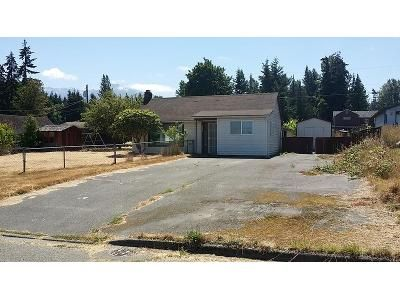 4 Bed 1 Bath Foreclosure Property in Port Angeles, WA 98363 - W 14th St