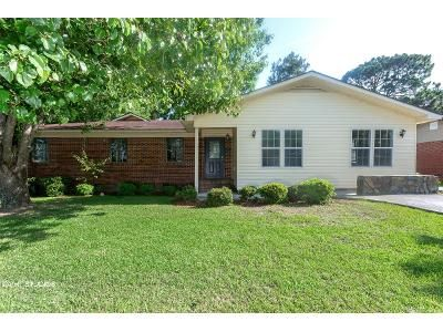 4 Bed 2 Bath Foreclosure Property in Nashville, GA 31639 - Beetree Ave