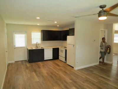 Beautiful updated 2/1 duplex with garage