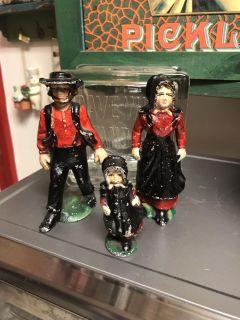 Cast Iron Amish Family, 2 1/2 and 4 1/2 high