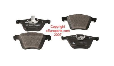 Sell NEW Genuine Volvo Disc Brake Pad Set - Front 31262705 motorcycle in Windsor, Connecticut, US, for US $112.05