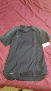 Nike short sleeve dry fit
