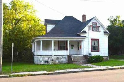 308 E Love Street Mexico Four BR, This charming 1 1/2 story home