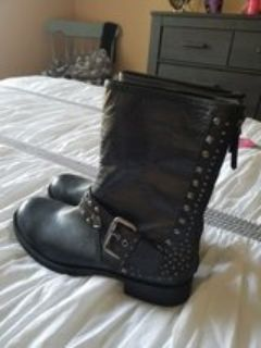 Woman's nine west blk leather size 9