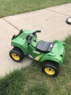 John Deer Toy 4 Wheeler - Plays Music