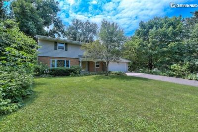 $2995 5 single-family home in Woodbury