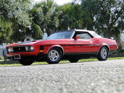 1973 Ford Mustang V6 Premium (Red)