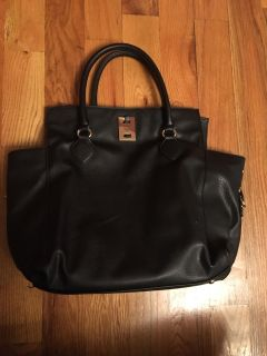 Urban Expressions black leather purse. Great shape!