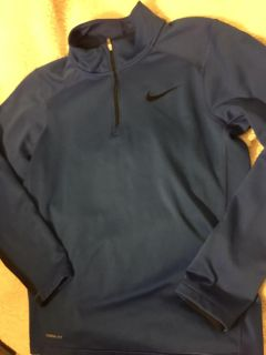 Men s small Nike therma fit