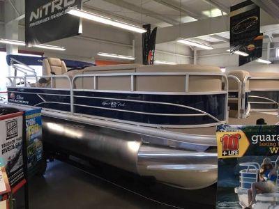 2019 Sun Tracker SportFish 22 DLX Pontoon Boats Appleton, WI