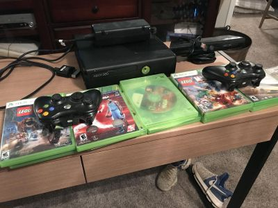 XBox 360 w/ Kinect & 10 games