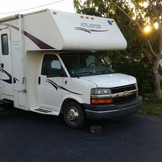 2007 Holiday Rambler Atlantis  131SE Super Slide - Queen Island