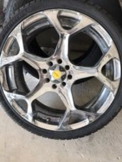18 Focal Chrome Rims like-NEW tires