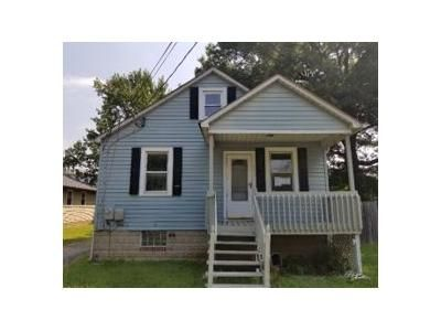 4 Bed 1 Bath Foreclosure Property in Middle River, MD 21220 - Middle River Rd