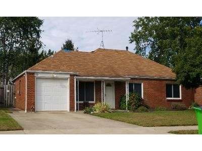 3 Bed 2.0 Bath Preforeclosure Property in Euclid, OH 44132 - Sycamore Dr