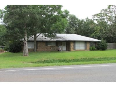 2 Bed 1 Bath Preforeclosure Property in Silverhill, AL 36576 - State Highway 104