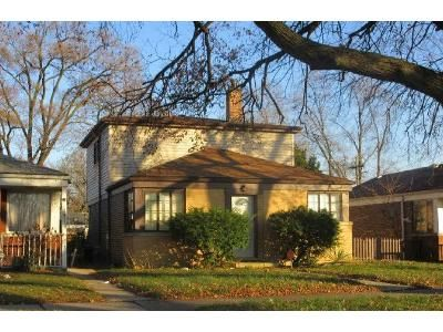3 Bed 1 Bath Preforeclosure Property in Riverdale, IL 60827 - S Ada St