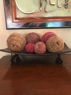 Decorative rope balls and tray