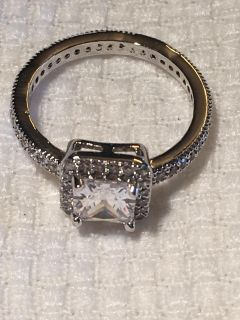 Gorgeous Crystal Ring