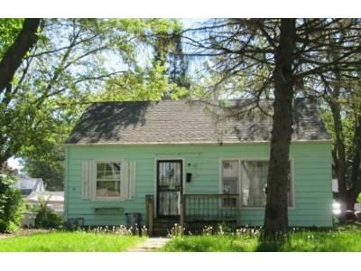 2 Bed 1 Bath Foreclosure Property in Milwaukee, WI 53209 - N 28th St