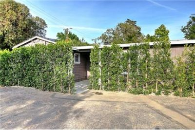Charming Cottage steps from Upper Coast Village- Montecito Union District
