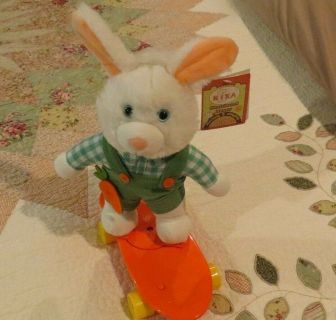 Nika Intl Plush Skateboard Easter Bunny Moves & Sings Here Comes Peter Cottontail WORKS