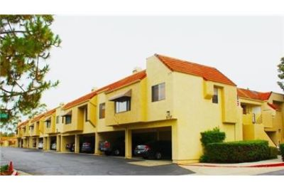 1 bedroom Condo - Recently painted and Renovated. Carport parking!