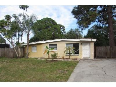 3 Bed 1 Bath Foreclosure Property in Sarasota, FL 34232 - Papai Dr
