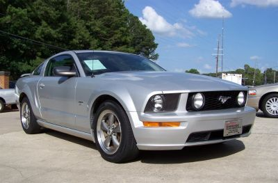 2005 Ford Mustang GT Deluxe (Silver Or Aluminum)