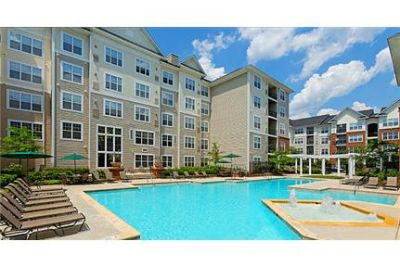 2 bedrooms Apartment - A mid-rise and garden-style community with the finest amenities.