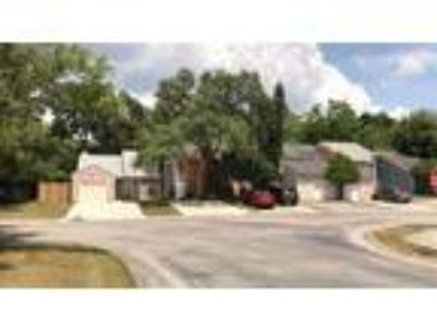 Blank Canvas Townhouse in Tampa!