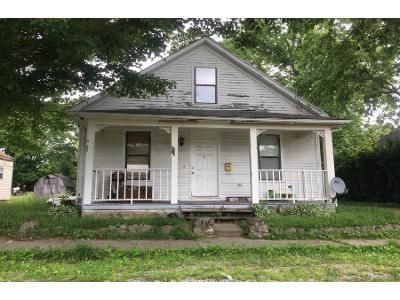 3 Bed 1.0 Bath Preforeclosure Property in Williamsburg, OH 45176 - Walnut St