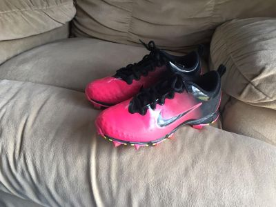 Size 4Y softball shoes