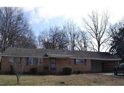 3 Bed 2 Bath Foreclosure Property in Covington, TN 38019 - Simonton St