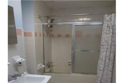 1 bathroom \ 1,000 sq. ft. - come and see this one.
