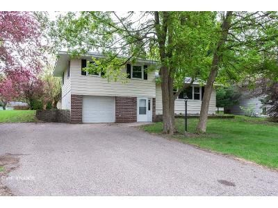 3 Bed 1 Bath Foreclosure Property in Osseo, MN 55311 - Shadyview Ln N