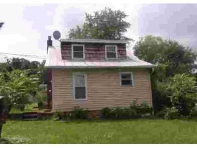 2 Bed 1 Bath Foreclosure Property in Dover, PA 17315 - Old Carlisle Rd