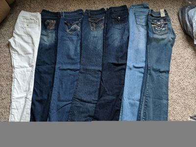 Lot of jeans/pant size 6. American eagle, royalty and vanity