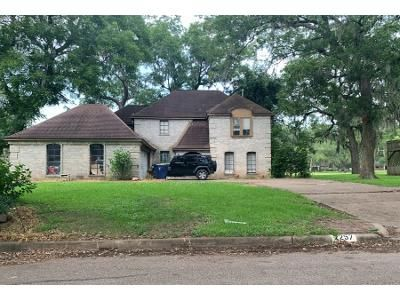 Preforeclosure Property in West Columbia, TX 77486 - River Valley Dr