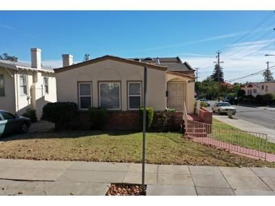 4 Bed 2 Bath Foreclosure Property in Oakland, CA 94605 - 56th Ave