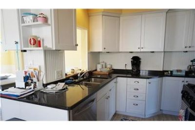 3 bedrooms Apartment - Absolutely charming Birmingham Bungalo. Single Car Garage!
