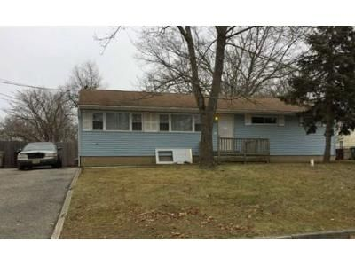 4 Bed 2 Bath Foreclosure Property in Bayville, NJ 08721 - Park Ave